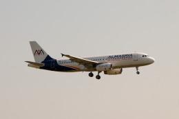 jombohさんが、チューリッヒ空港で撮影したアル・マスリア・ユニバーサル航空 A320-232の航空フォト(飛行機 写真・画像)