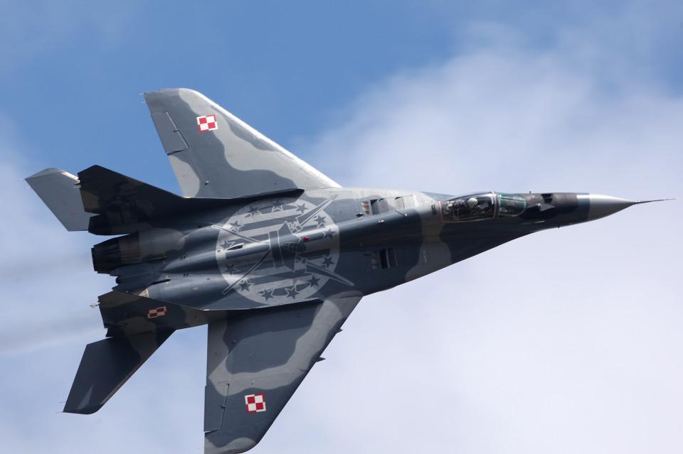 AkiChup0nさんのポーランド空軍 Mikoyan MiG-29 (111) 航空フォト