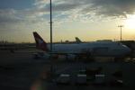 ゆ⇔たさんが、シドニー国際空港で撮影したカンタス航空 747-438の航空フォト(写真)