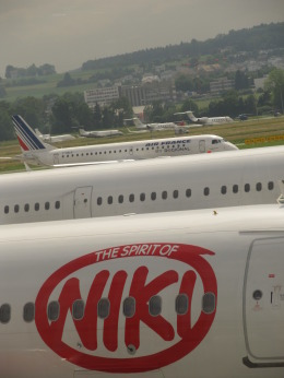 Take51さんが、チューリッヒ空港で撮影したレジォナル ERJ-190-100 LR (ERJ-190LR)の航空フォト(飛行機 写真・画像)
