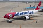 xxxxxzさんが、中部国際空港で撮影したエーデルワイス航空 A330-223の航空フォト(飛行機 写真・画像)