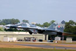 航空フォト:111 ポーランド空軍 MiG-29