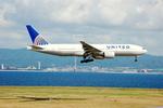 snow_shinさんが、関西国際空港で撮影したユナイテッド航空 777-222/ERの航空フォト(飛行機 写真・画像)