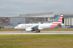 こずぃろうさんが、ハンブルク・フィンケンヴェルダー空港 で撮影したアメリカン航空 A319-112の航空フォト(飛行機 写真・画像)