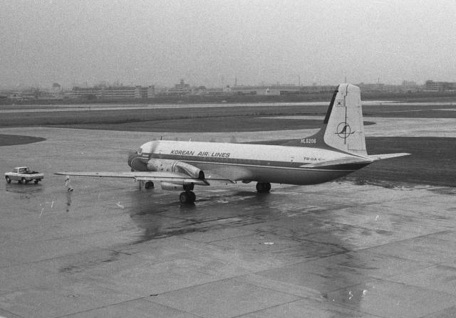 大韓航空 NAMC YS-11 HL5206 福...