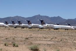 航空フォト:N16501 エクスプレスジェット・エアラインズ ERJ-135