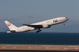 さっしんさんが、中部国際空港で撮影した日本航空 777-246の航空フォト(飛行機 写真・画像)
