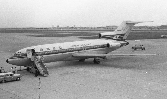 日本航空 Boeing 727-100 JA8310...