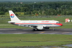 アイスコーヒーさんが、新千歳空港で撮影した中国東方航空 A319-115の航空フォト(飛行機 写真・画像)