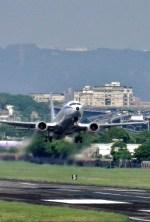 Dazhongさんが、台北松山空港で撮影した中華民国空軍 737-8ARの航空フォト(飛行機 写真・画像)