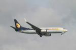 matsuさんが、シンガポール・チャンギ国際空港で撮影したジェットエアウェイズ 737-8FHの航空フォト(飛行機 写真・画像)