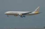 しんさんが、香港国際空港で撮影したロイヤルブルネイ航空 777-212/ERの航空フォト(写真)
