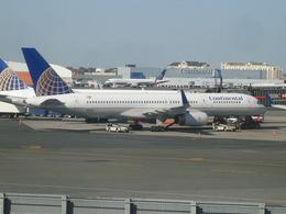 Dekatyouさんが、ニューアーク・リバティー国際空港で撮影したコンチネンタル航空 757-224の航空フォト(飛行機 写真・画像)