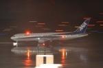 hirokongさんが、新千歳空港で撮影した全日空 767-381の航空フォト(写真)