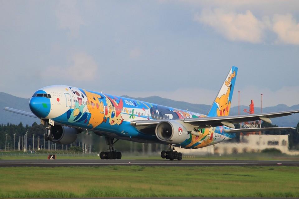 Kuuさんの全日空 Boeing 777-300 (JA754A) 航空フォト