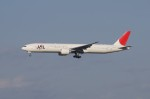 しんさんが、成田国際空港で撮影した日本航空 777-346/ERの航空フォト(写真)