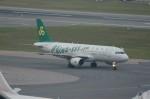 しんさんが、香港国際空港で撮影した春秋航空 A320-214の航空フォト(写真)