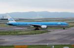 アイスコーヒーさんが、関西国際空港で撮影したKLMオランダ航空 777-306/ERの航空フォト(飛行機 写真・画像)