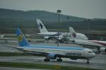 snow_shinさんが、クアラルンプール国際空港で撮影したウズベキスタン航空 767-33P/ERの航空フォト(飛行機 写真・画像)
