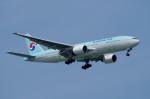 しんさんが、シンガポール・チャンギ国際空港で撮影した大韓航空 777-2B5/ERの航空フォト(写真)