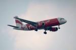 しんさんが、シンガポール・チャンギ国際空港で撮影したタイ・エアアジア A320-216の航空フォト(写真)
