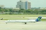 かずまっくすさんが、マイアミ国際空港で撮影したワールド・アトランティック・エアラインズ MD-83 (DC-9-83)の航空フォト(写真)