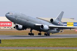 Tomo-Papaさんが、フェアフォード空軍基地で撮影したオランダ王立空軍 DC-10-30CFの航空フォト(飛行機 写真・画像)