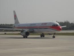 yhさんが、瀋陽桃仙国際空港で撮影した中国東方航空 A321-231の航空フォト(飛行機 写真・画像)