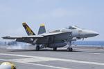 Scotchさんが、米海軍空母ジョージ・ワシントン - USS George Washington, CVN-73で撮影したアメリカ海軍 F/A-18E Super Hornetの航空フォト(飛行機 写真・画像)