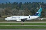 KIXベースのB747さんが、バンクーバー国際空港で撮影したウェストジェット 737-297/Advの航空フォト(写真)