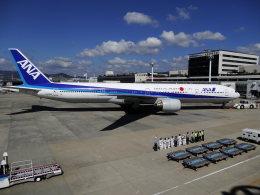 T.Sazenさんが、伊丹空港で撮影した全日空 777-381の航空フォト(飛行機 写真・画像)