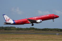 WING_ACEさんが、ケアンズ空港で撮影したヴァージン・ブルー ERJ-190-100 IGW (ERJ-190AR)の航空フォト(飛行機 写真・画像)