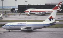 チャーリーマイクさんが、シンガポール・チャンギ国際空港で撮影したマレーシア航空 737-229/Advの航空フォト(飛行機 写真・画像)