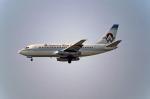 Gambardierさんが、ロサンゼルス国際空港で撮影したアメリカウエスト航空 737-2X6C/Advの航空フォト(写真)