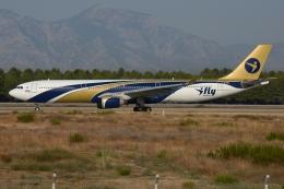 RUSSIANSKIさんが、アンタルヤ空港で撮影したアイ-フライ A330-322の航空フォト(飛行機 写真・画像)