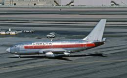 Gambardierさんが、フェニックス・スカイハーバー国際空港で撮影したデルタ航空 737-247/Advの航空フォト(飛行機 写真・画像)