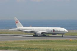 ひろえもんさんが、神戸空港で撮影した日本航空 777-246の航空フォト(飛行機 写真・画像)