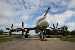 Koenig117さんが、Moninoで撮影したロシア空軍 Tu-95MSの航空フォト(飛行機 写真・画像)