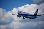 T.Sazenさんが、伊丹空港で撮影した全日空 767-381の航空フォト(写真)