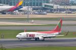 パンダさんが、福岡空港で撮影したティーウェイ航空 737-8Q8の航空フォト(飛行機 写真・画像)