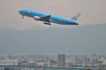 パンダさんが、福岡空港で撮影したKLMオランダ航空 777-206/ERの航空フォト(飛行機 写真・画像)