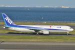 Peter Hoさんが、羽田空港で撮影した全日空 767-381の航空フォト(写真)