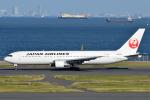 Peter Hoさんが、羽田空港で撮影した日本航空 767-346の航空フォト(写真)