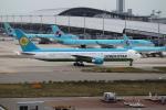 T.Sazenさんが、関西国際空港で撮影したウズベキスタン航空 767-33P/ERの航空フォト(飛行機 写真・画像)