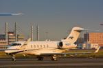 パンダさんが、羽田空港で撮影したウェルズ・ファーゴ・バンク・ノースウェスト BD-100-1A10 Challenger 300の航空フォト(写真)