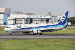Boeing777さんが、伊丹空港で撮影した全日空 737-881の航空フォト(飛行機 写真・画像)