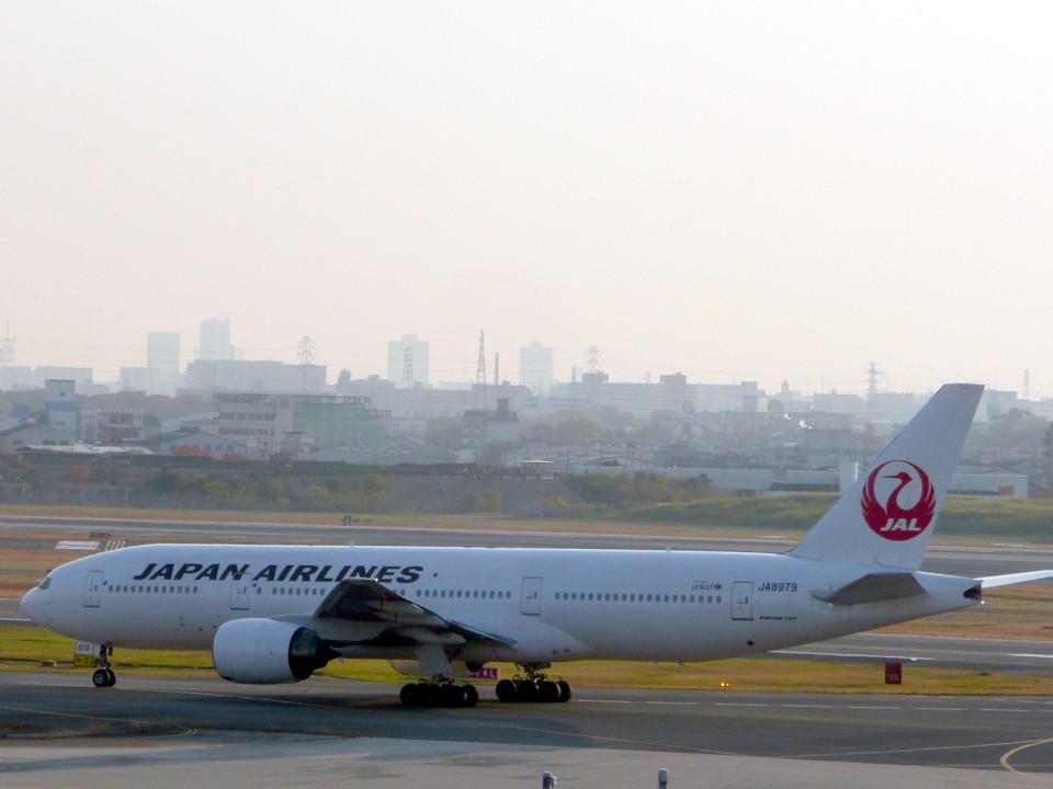 wrbluebl5さんの日本航空 Boeing 777-200 (JA8979) 航空フォト
