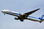 Dojalanaさんが、函館空港で撮影した全日空 777-381の航空フォト(写真)