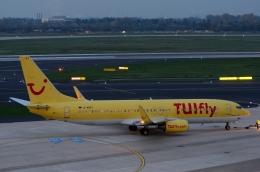 バーバ父さんが、デュッセルドルフ国際空港で撮影したトゥイフライ 737-8K5の航空フォト(飛行機 写真・画像)
