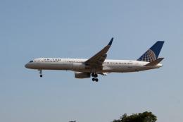 jombohさんが、ロンドン・ヒースロー空港で撮影したユナイテッド航空 757-224の航空フォト(飛行機 写真・画像)